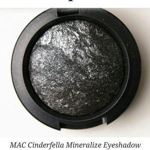 Mac Mineralized eyeshadow. Brand New